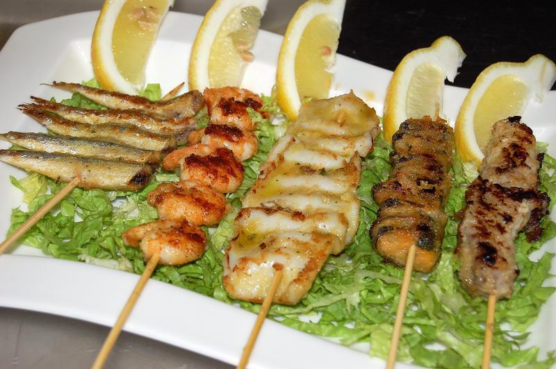 Ricetta spiedini misti di pesce pesce donne magazine for Spiedini di pesce gratinati