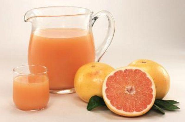 Ricetta Succo D'uva Scura Con Succo Di Pompelmo E Di Mora (1) – Bevande