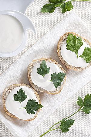 Ricetta Canapè Al Formaggio Camembert – Antipasto