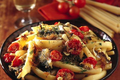 Ricetta Casarecce Con Acciughe E Pomodori – Primo