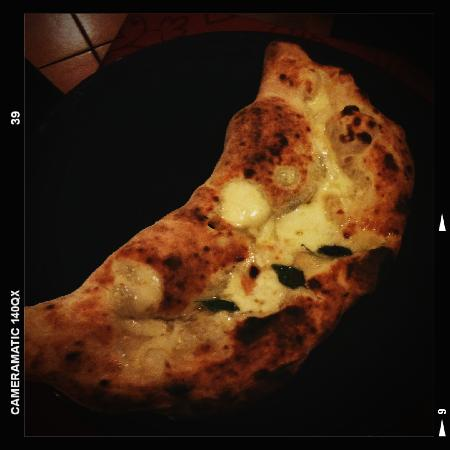 Ricetta Pizza Con Scarola, Uvetta E Pinoli – Primo