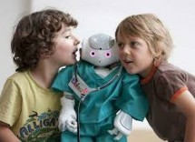 Bambini amano i robot quasi umani?
