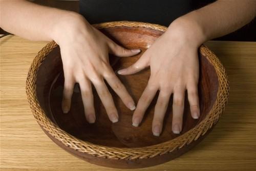 Rinforzare le unghie