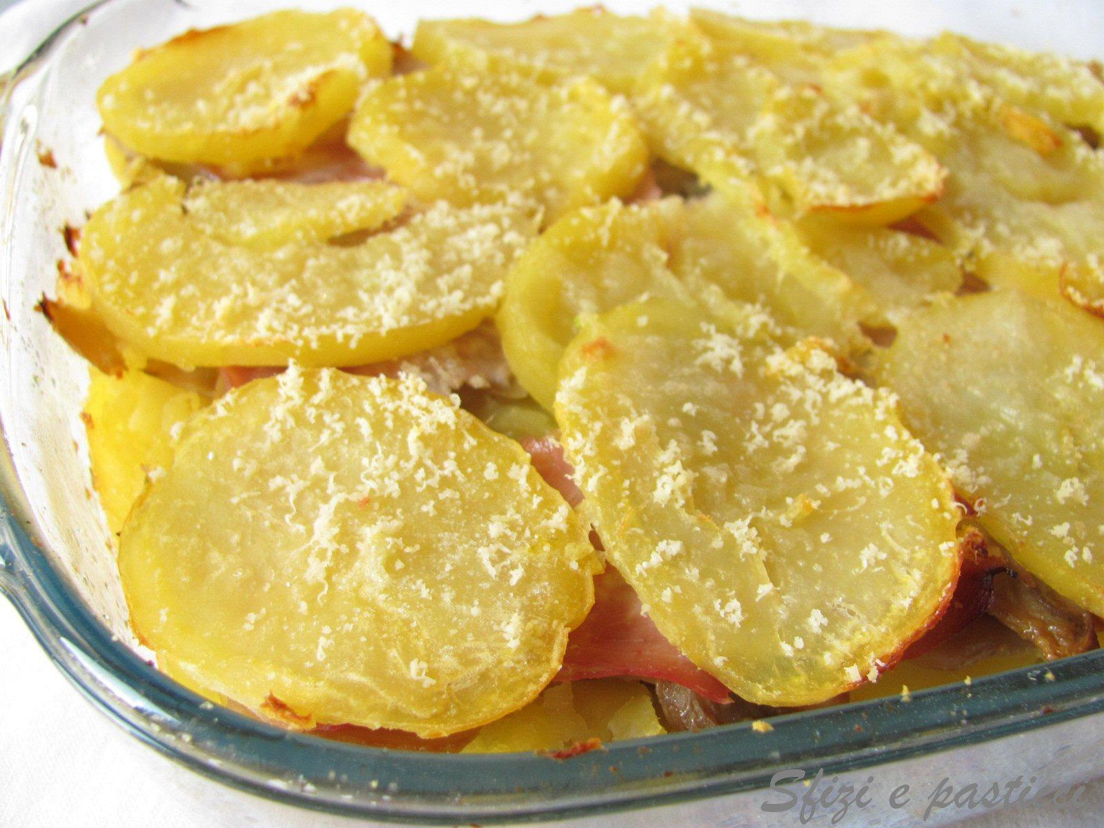Torta di patate e pomodori