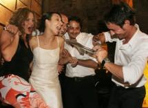 Matrimonio: taglio della cravatta è superato?
