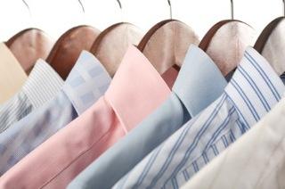 Come stirare camicie senza ferro