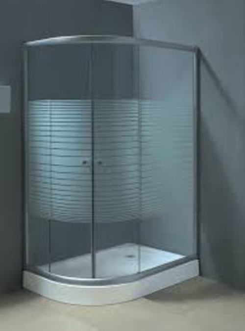 Come pulire i vetri della doccia dal calcare