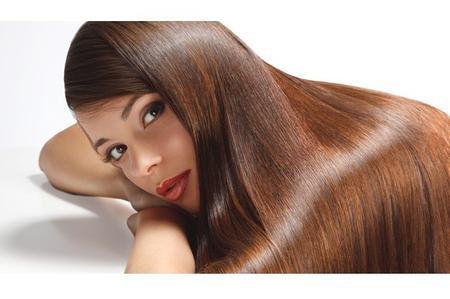 Come funziona il trattamento piastra per capelli crespi