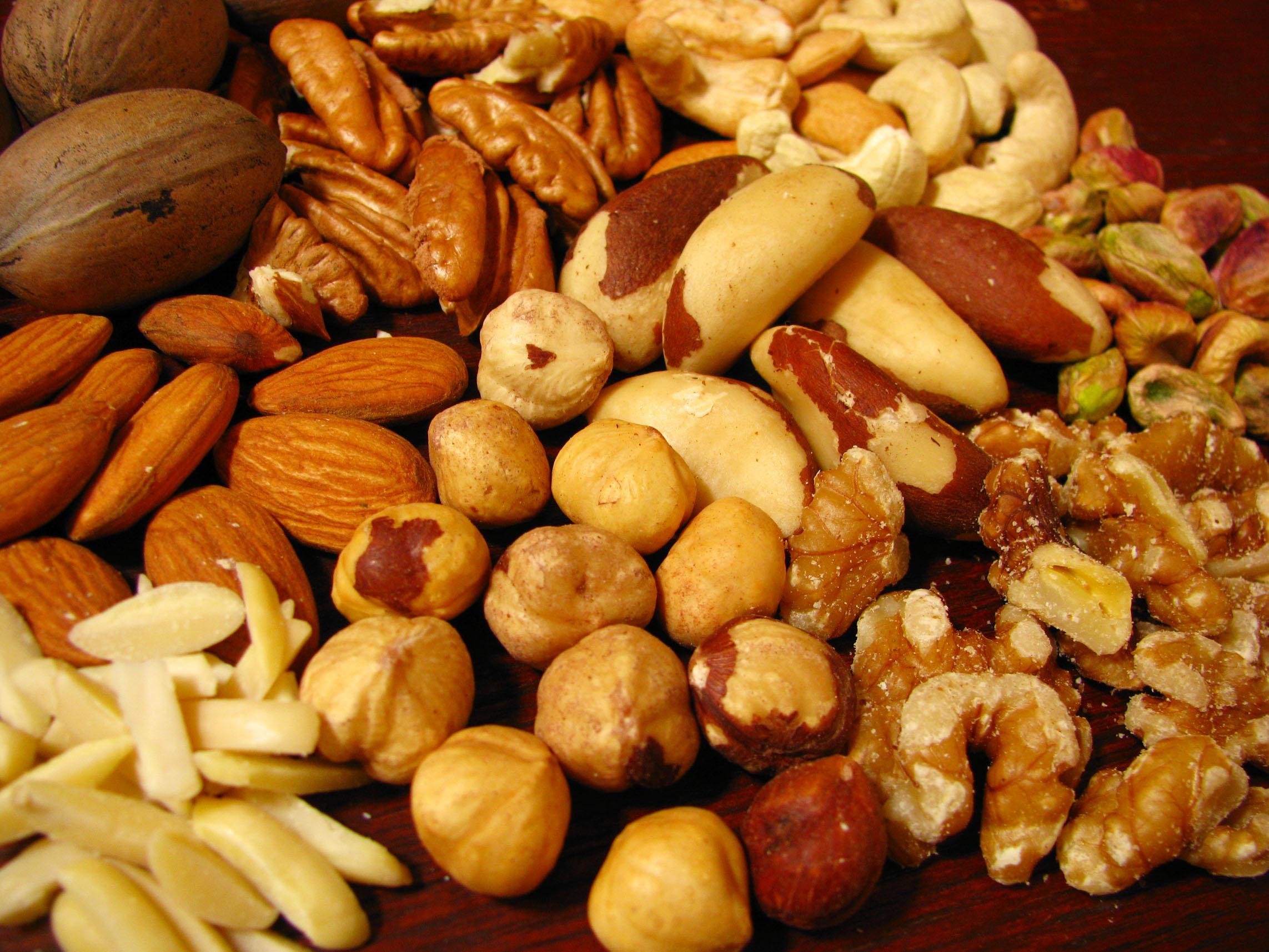 Dieta della frutta secca: come perdere peso in modo sano