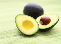 Come fare crescere velocemente i capelli con l'avocado