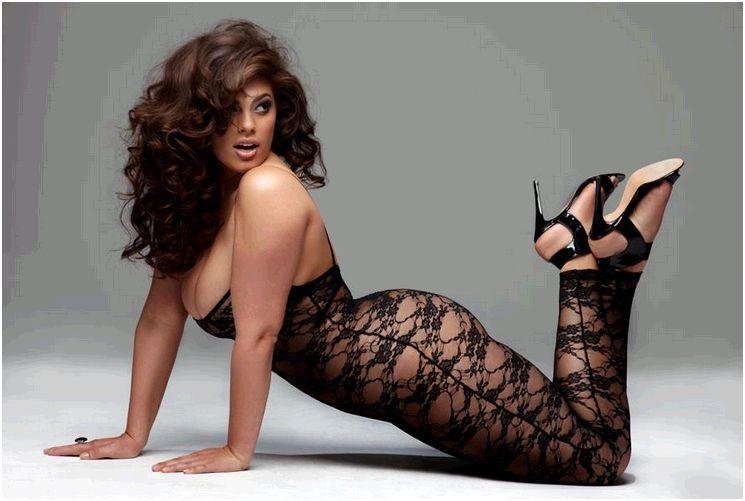 candice huffine prima modella curvy calendario pirelli