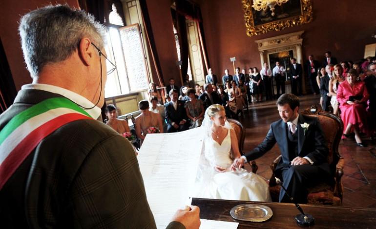 Matrimonio In Comune Come Vestirsi : Look testimone donna nozze in comune donne magazine