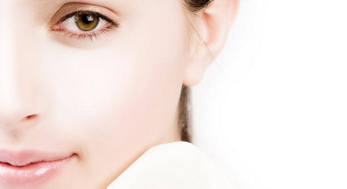 Perchè conviene usare crema idratante viso notte