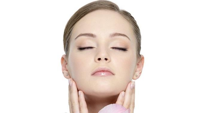 Come eliminare peli viso donna definitivamente con laser
