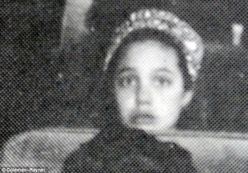 Com'era da piccola foto Angelina Jolie
