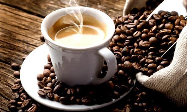 Come purificare la pelle con lo scrub al caffè