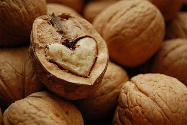 Come consumare noci per abbassare colesterolo cattivo