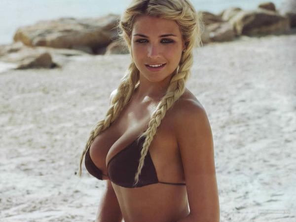 Cinque acconciature capelli in spiaggia
