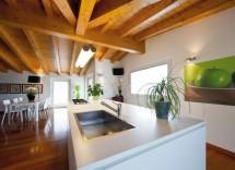 Quali prodotti per pulire soffitto con travi di legno a vista