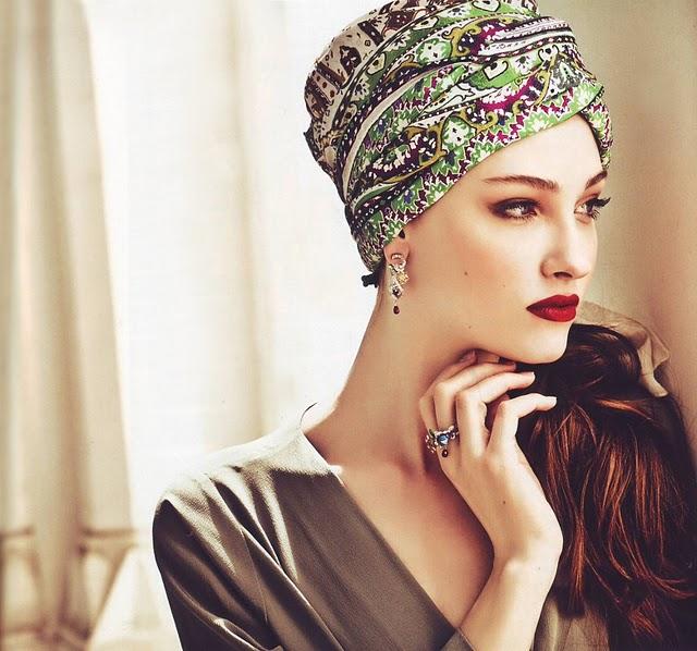 Come indossare un foulard in testa Anni Cinquanta