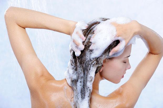 Ricetta shampoo naturale fai da te per i capelli secchi