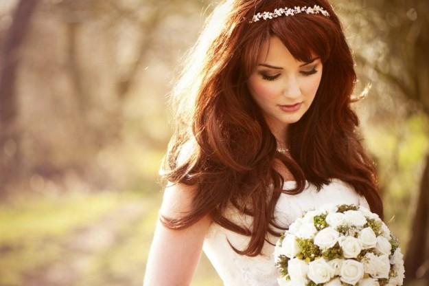 Cinque acconciature sposa con capelli sciolti