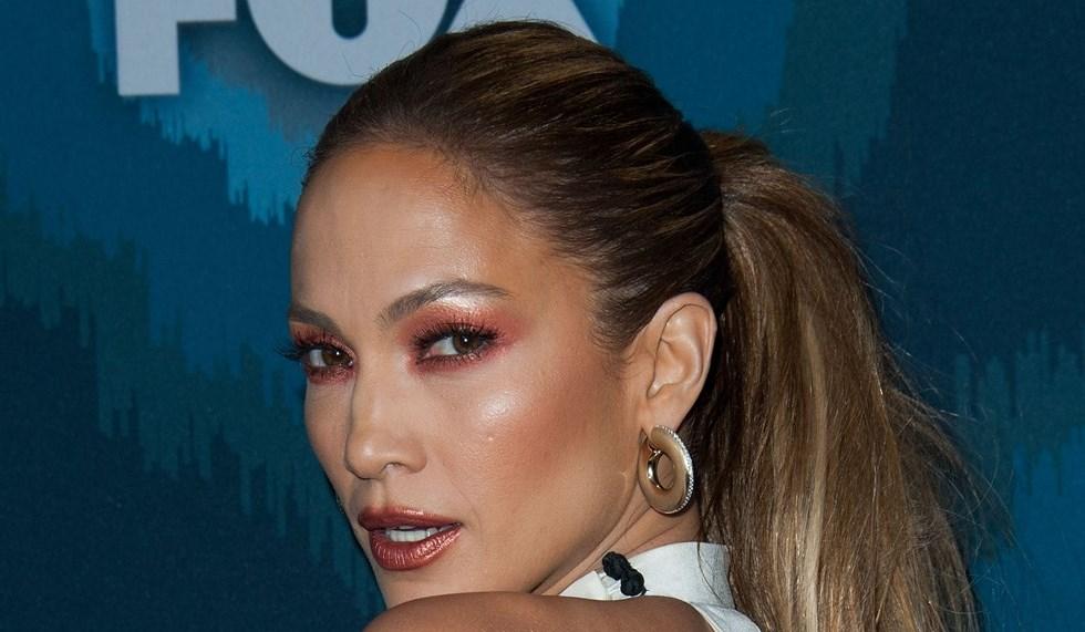 Tutorial trucco labbra marsala Jennifer Lopez