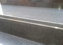 Come pulire scala in pietra lavica