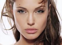 Tutorial trucco per labbra carnose con rossetto