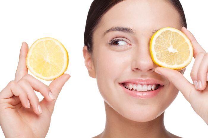 Maschera limone e aspirina contro pori dilatati