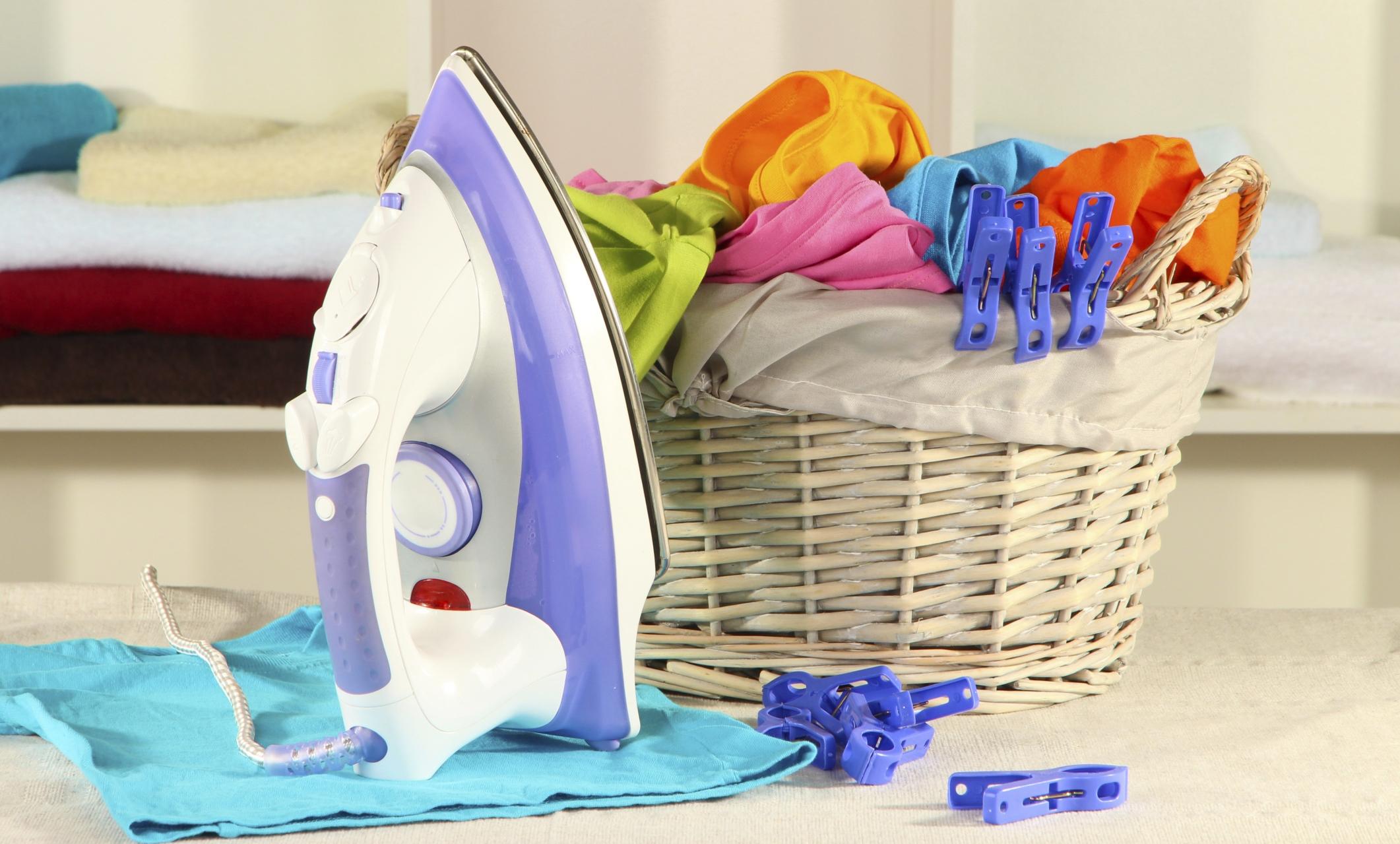 Come stirare abiti senza ferro da stiro