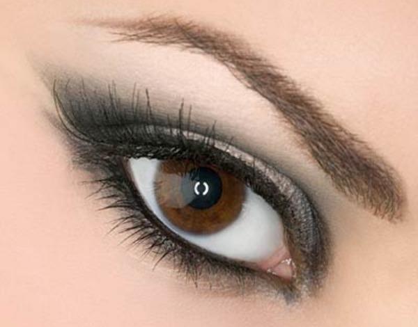 Forma sopracciglia per occhi piccoli