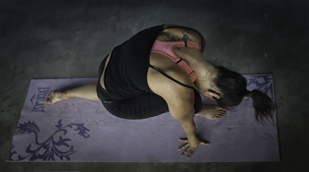 Esercizi yoga Ashtanga