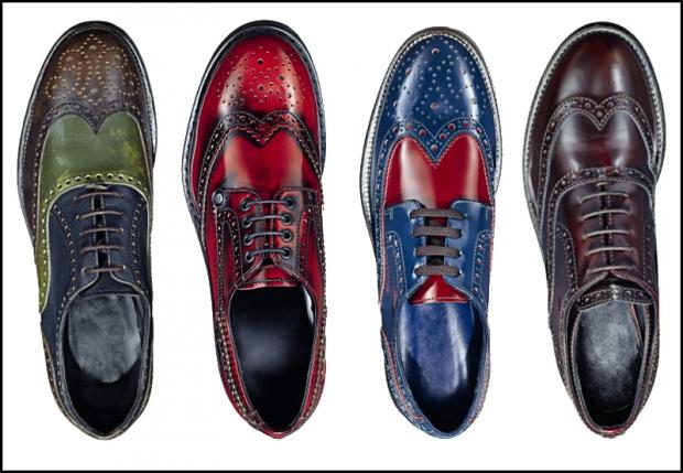Come indossare scarpe stringate