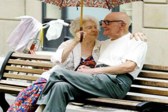 Idea biglietto auguri divertente anniversario nonni