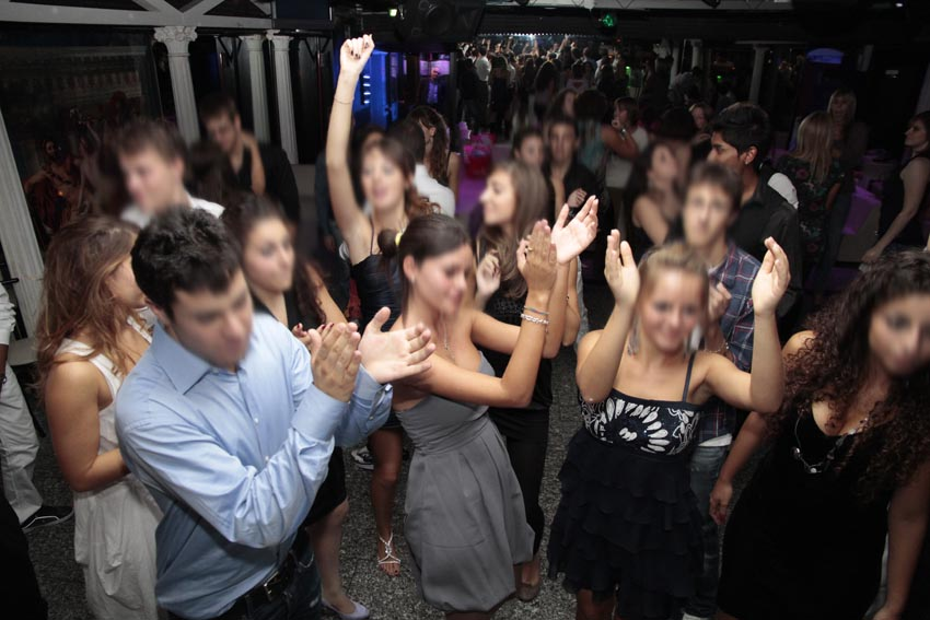 Come vestirsi per festa compleanno in discoteca