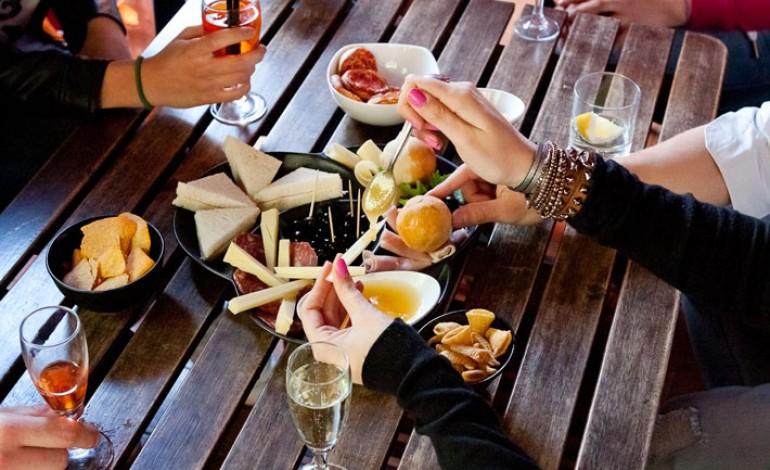 Cosa cucinare per un aperitivo con le amiche donne magazine - Apericena cosa cucinare ...