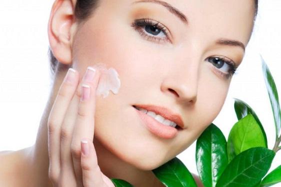 Come applicare crema viso