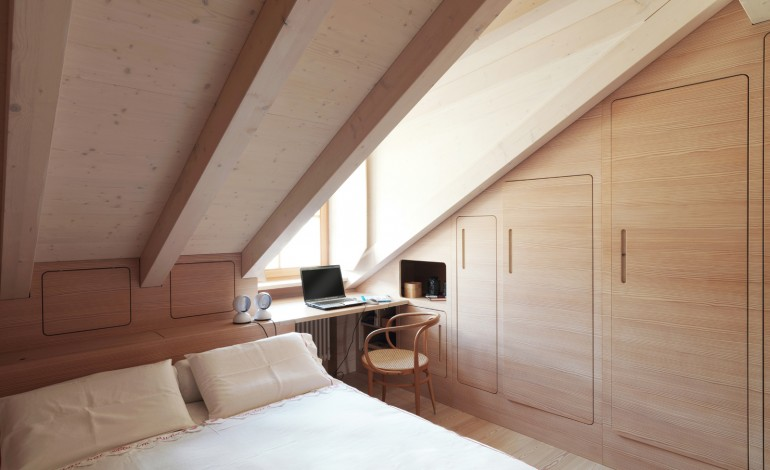 Simple come ricavare cabina armadio da tetto mansardato with armadi mansarda for Mobili per mansarde ikea