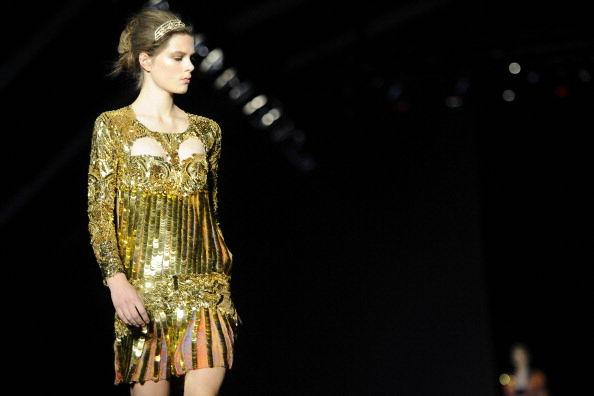 10 look Capodanno abito oro
