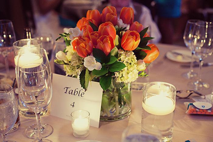 Come usare tulipani come segnaposto