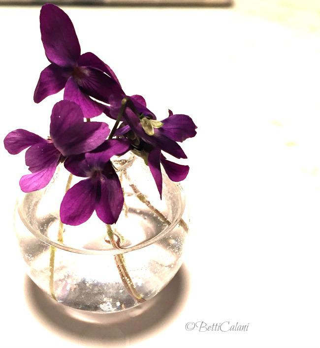 Come usare violette come segnaposto