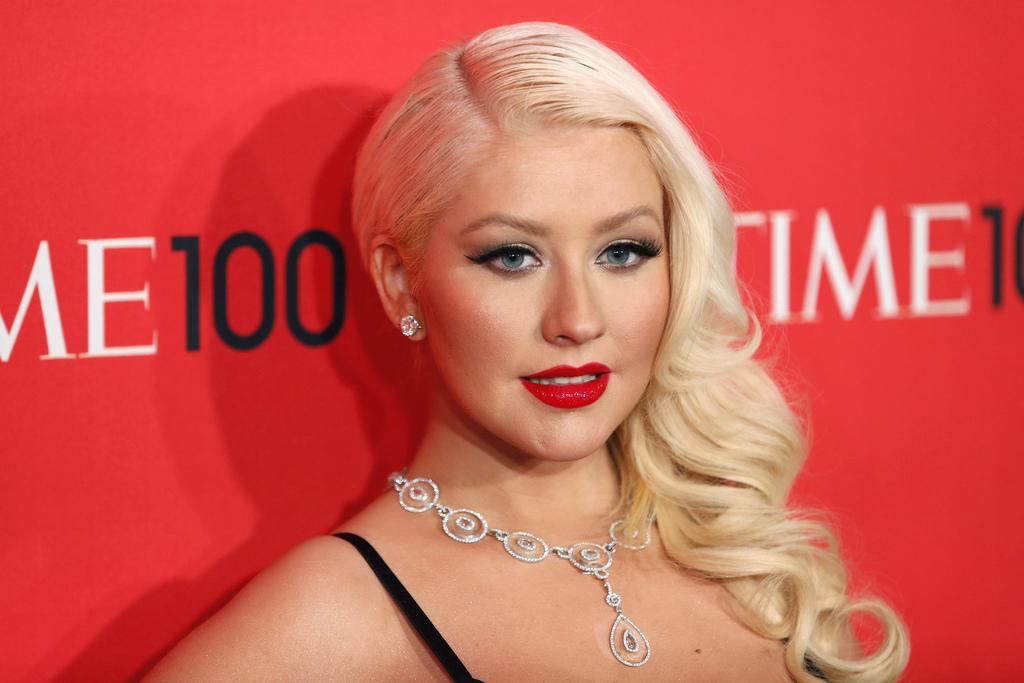 Qual è l'altezza Christina Aguilera in centimetri?