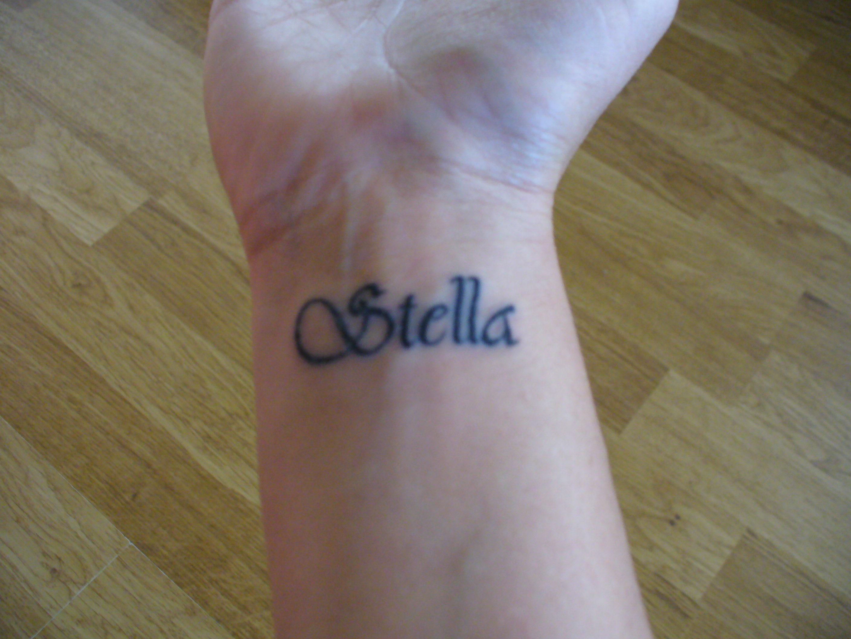 Idee fashion tatuaggi polso donne