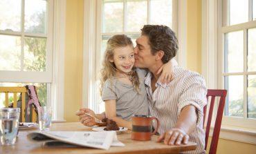 """Un padre ridefinisce la bellezza per sua figlia: """"Dov'è la tua vera bellezza?"""""""