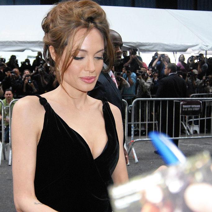 Duello di tendenze: Angelina Jolie vs Marion Cotillard