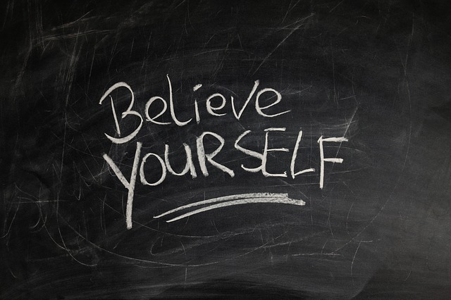 Le 25 frasi che aumenteranno la tua autostima