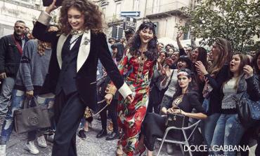 Dolce & Gabbana sfila tra le vie di Napoli