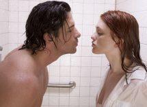 Sesso sotto la doccia: 10 posizioni per un piacere più intenso