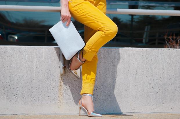 Pantaloni gialli, vantaggi e svantaggi!